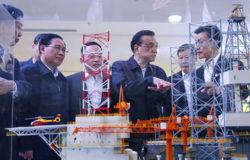 Li stresses market vitality in Shanghai