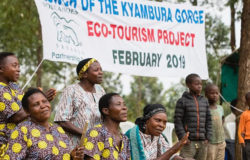 Tourists play their part in Uganda eco-tourism project