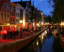 Amsterdam to ban tours of overcrowded Red-light District