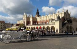 Tourist arrivals to Kraków fell by over 50 percent